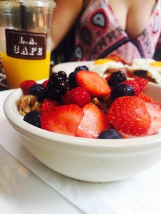 Muesli, yoghurt and fruit at LA Cafe